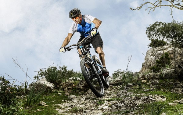 Mountain Biker attacking the rough terrain